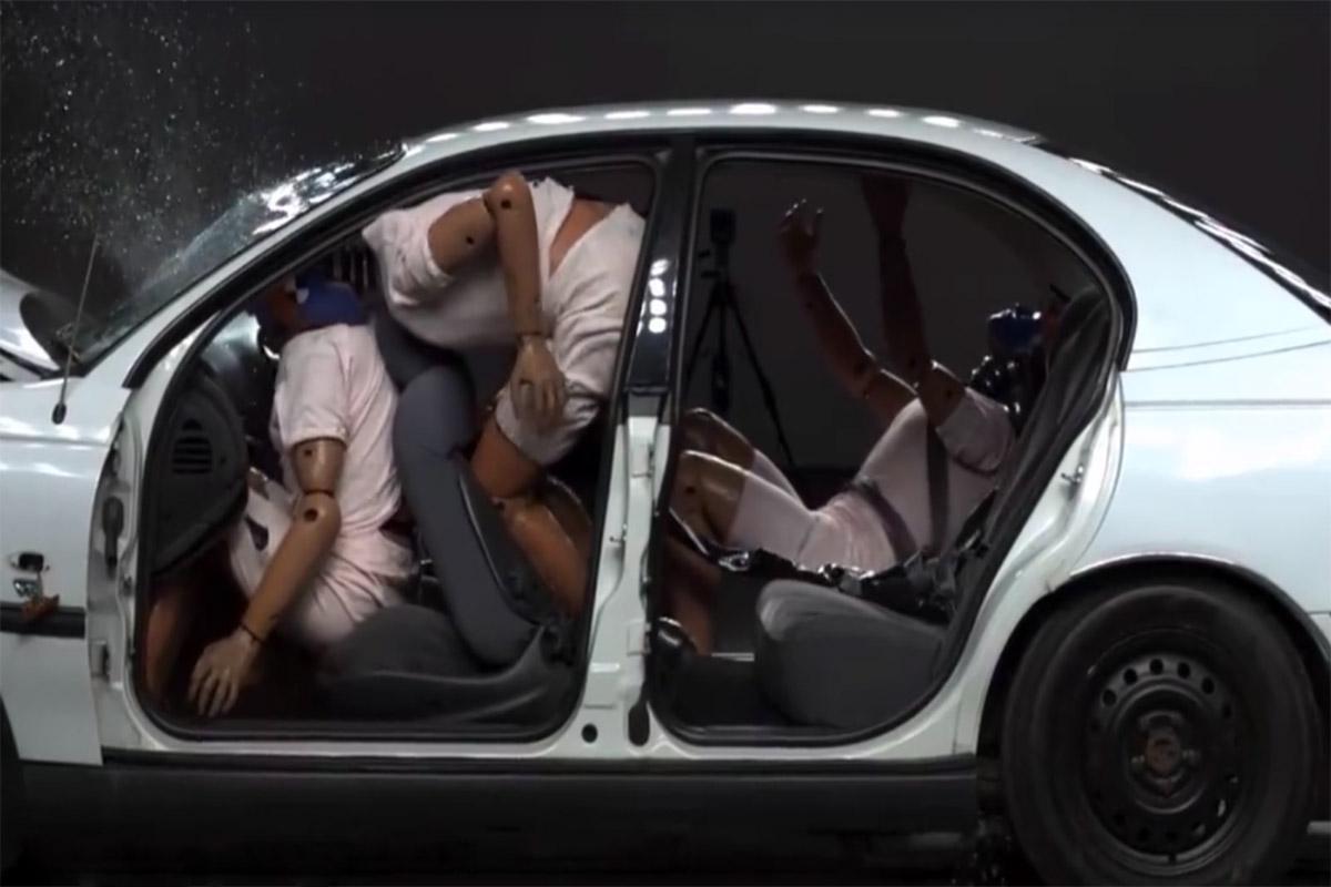 کمربند ایمنی خودرو چگونه کار میکند