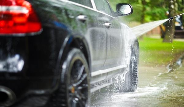 روش های تمیز کردن خودرو در منزل